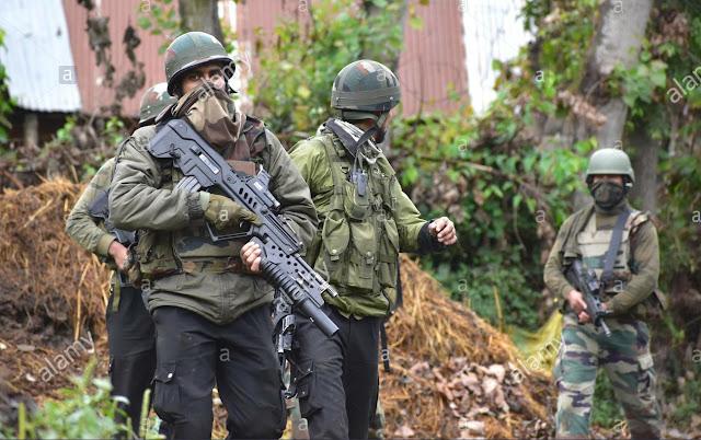 शोपियां में आतंकियों और सुरक्षा बलों के बीच मुठभेड़ में अब तक 5 आतंकवादी ढेर, ऑपरेशन जारी / Encounter IN Shopian Kashmir