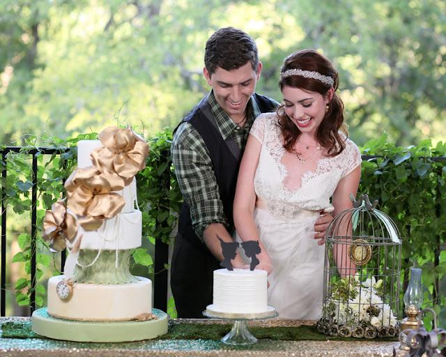 bride+groom+peter+pan+themed+neverland+wedding+tinker+bell+fairytale+princess+wendy+darling+captain+hook+fairy+dust+green+rustic+andy+sams+photography+15 - Neverland