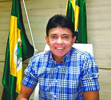 Fracassa novamente tentativa de transferência de voto do ex-prefeito Hellosman
