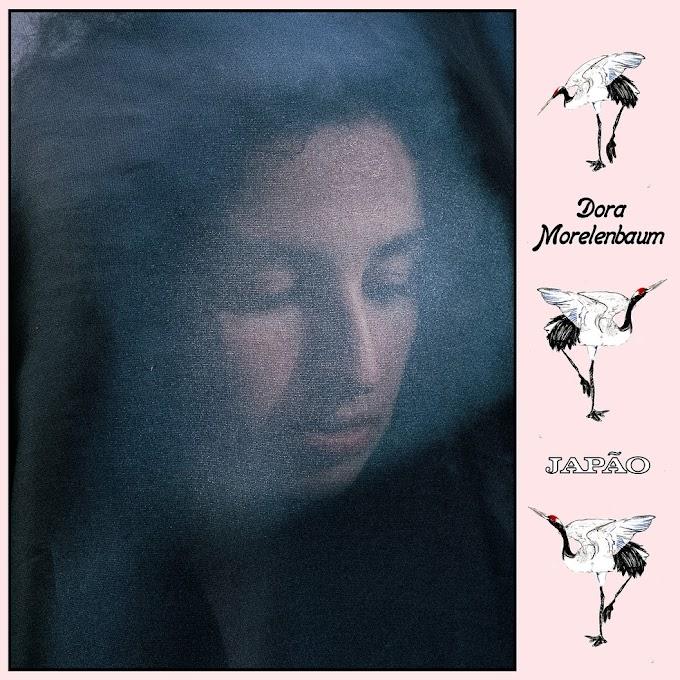 Dora Morelenbaum começa a espalhar o EP 'Vento de beirada'