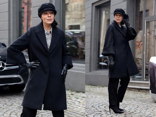 czarny płaszcz stylizacje damskie 2021