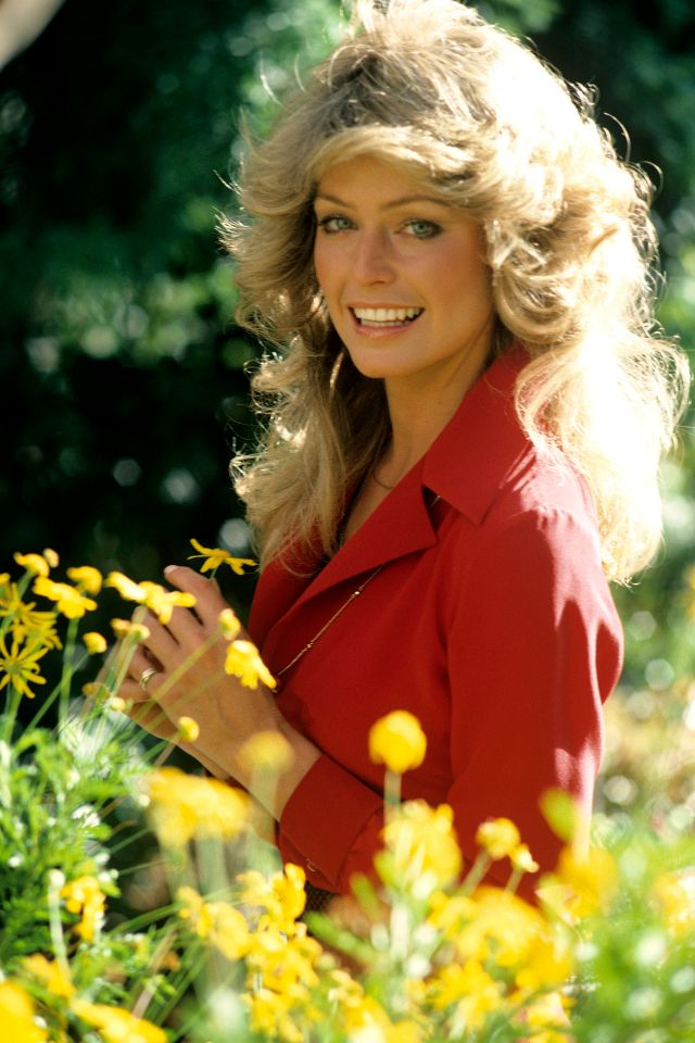23 Fascinating Color Photos Of A Young Farrah Fawcett In