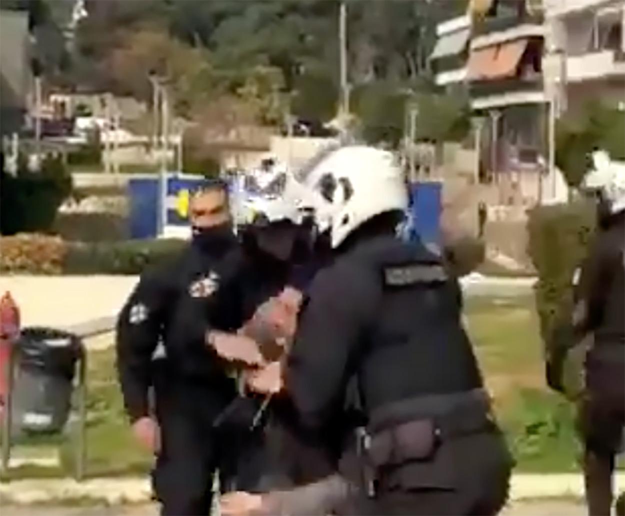 Νέα Σμύρνη: Εισαγγελική παρέμβαση για το άγριο ξύλο αστυνομικών σε πολίτες