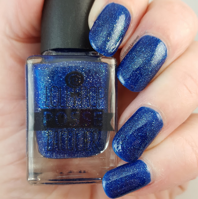 Navy-blue-scattered-holographic-nail-polish