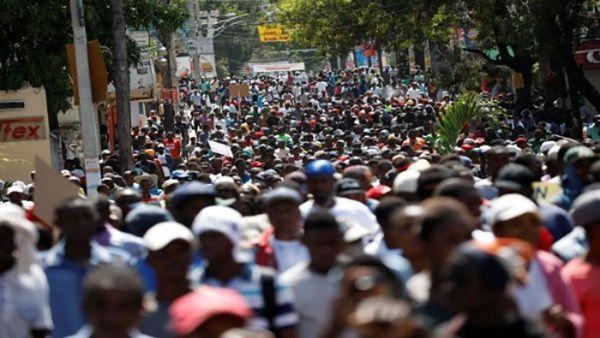 Miles de haitianos protestan en las calles contra la corrupción