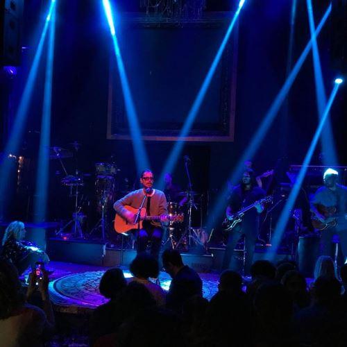 """Ο Chris Cornell τραγουδάει με την Άννα Βίσση το """"Black Hole Sun"""" (video)"""