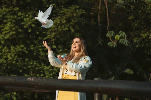 Sarah Farias grava clipe de Espírito Santo