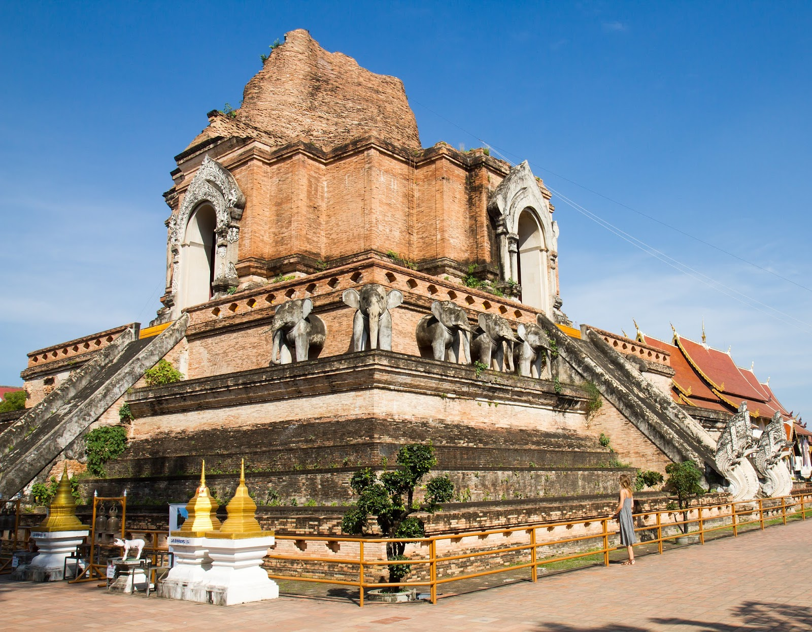 travel blogger, Alison Hutchinson, at Wat Chedi Luang Worawihan in Chiang Mai, Thailand
