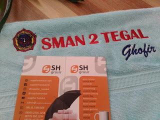 souvenir promosi handuk bordir pesanan SMAN 2 Tegal