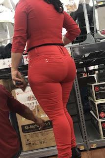 Mujeres pantalones apretados buenas nalgas