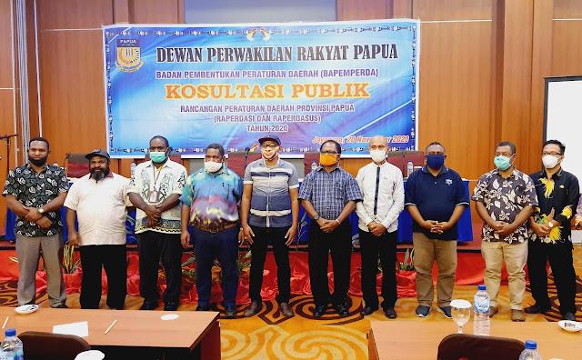 Bapemperda DPRP Gelar Konsultasi Publik Raperdasi dan Raperdasus di Wilayah Tabi.lelemuku.com.jpg