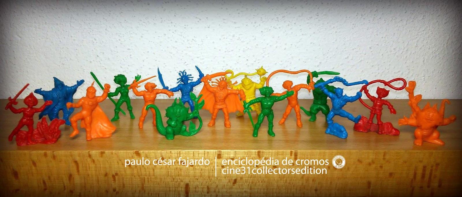 ... dos bonecos monocromáticos dos Thundercats