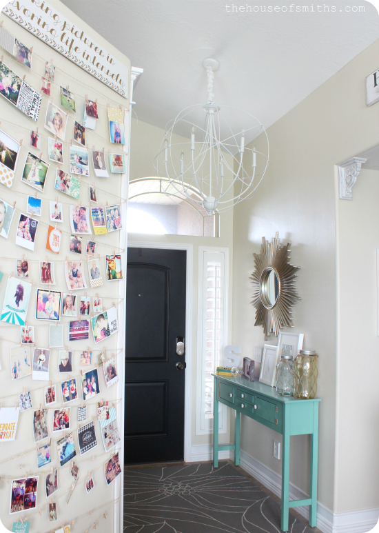 Decorated Entryway - thehouseofsmiths.com