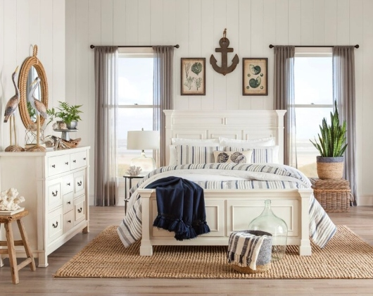 White and Beige Coastal Bedroom Idea with Art above Bed