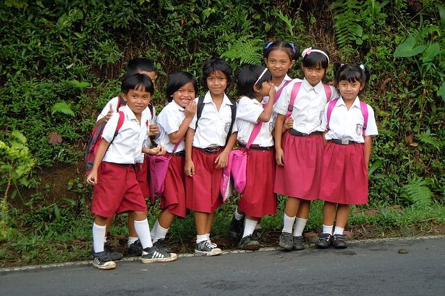 Kunci Jawaban Tema 2 Kelas 2 SD MI Halaman 127, Menuliskan Tata Tertib dalam Berpakaian di Sekolah
