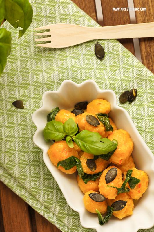 Kürbis Gnocchi mit Basilikumbutter, schnelles und einfaches Rezept