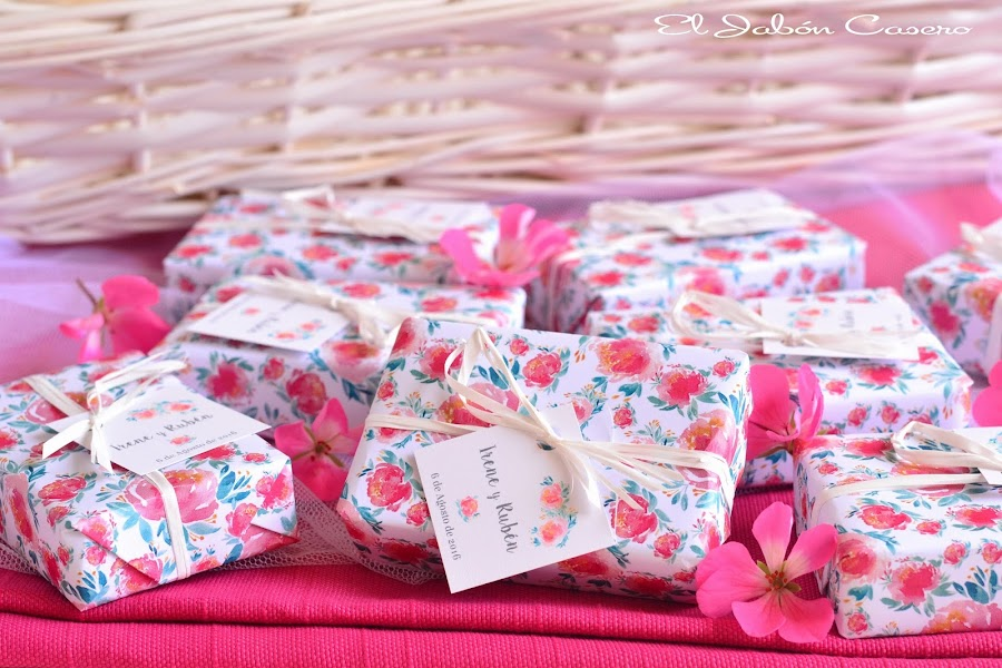 Detalles para bodas romanticas jabones florales