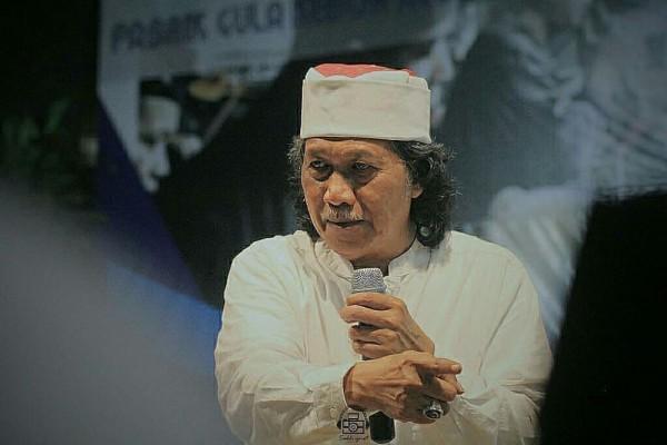 Heran Lihat Umat Islam Benci Khilafah, Cak Nun: Padahal Itu Buatan Allah!