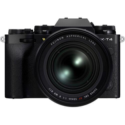 Объектив Fujifilm Fujinon XF 50mm f/1 R WR с камерой X-T4, вид спереди
