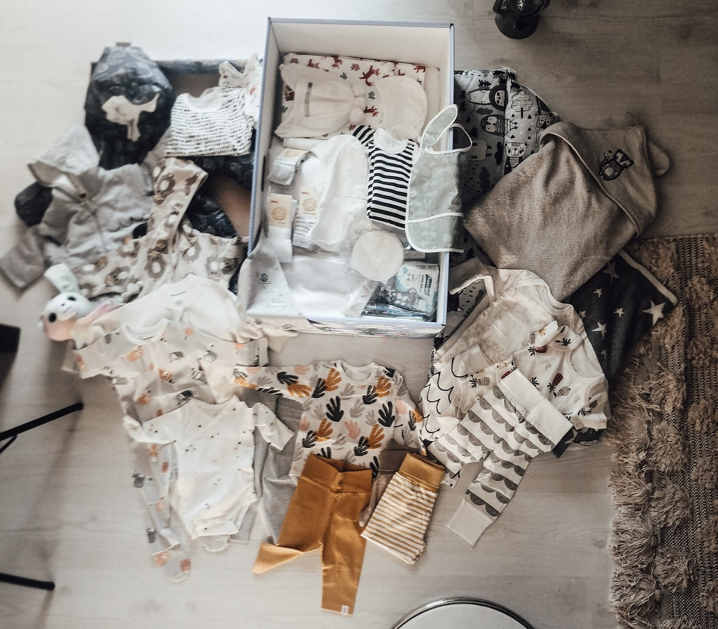 Peek inside my 2nd Finnish maternity package - introducing the 2020 version elisabeth rundlof