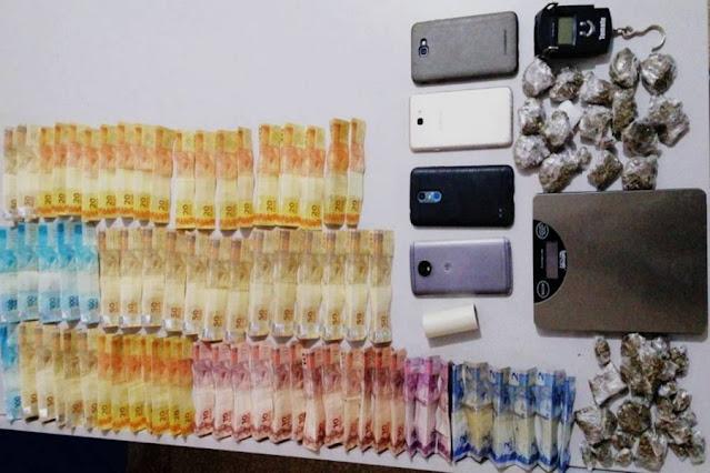 "Após marido ser preso vendendo drogas através do WhatsApp, mulher justifica tráfico alegando que é ""para complementar renda"""