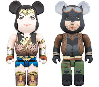 Batman v Superman Dawn of Justice Wonder Woman & Knightmare Batman 400% Be@rbrick Figures by Medicom