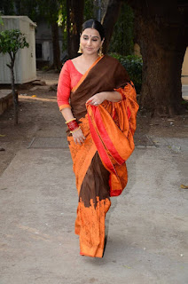 Actress Vidya Balan Latest Pictures in Saree at Designers Summer Collection Launch  0007