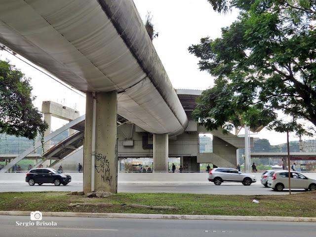 Vista ampla da Estação Morumbi da CPTM - Chácara Itaim - São Paulo