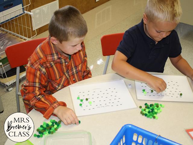 Center Cards for Rotation Boards, including 90 cards plus editable templates! #teachertips #kindergarten #teacherhacks #classroomsetup #backtoschool #centers #rotationboard #centersigns