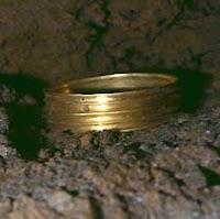 Brazalete de oro de la Edad de Bronce, Atapuerca, Cueva del Silo
