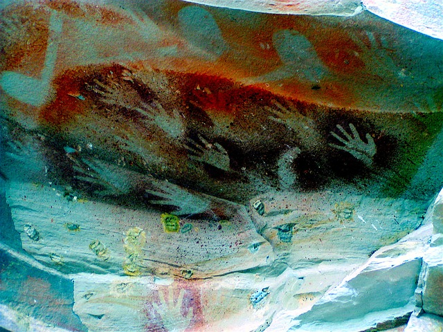 lukisan dinding gua suku aborigin