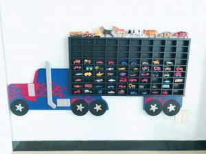 Kệ trưng bày xe Hotwheels Transfomer