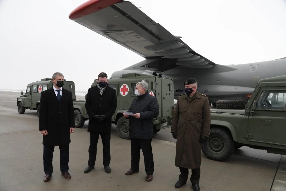 В Україну прибули броньовані Land Rover