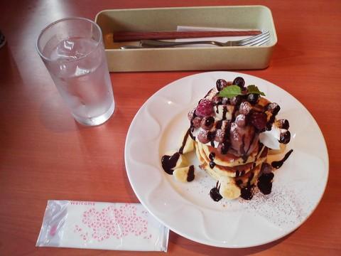 バースデーパンケーキ¥0-2 デニーズ津島店