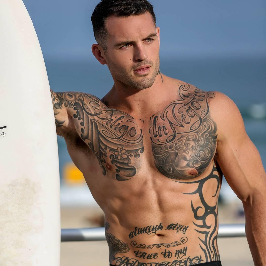 fit-hot-guys-tattoo-body-masculine-daddy