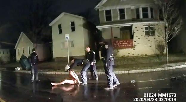 ڤیدیۆ.. کوشتنی پیاوێکی دیکەی رەشپێست لەلایەن پۆلیسی ئەمریکاوە