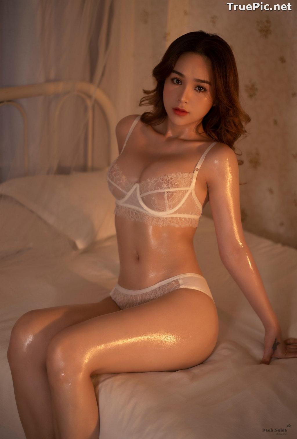 Image Vietnamese Sexy Model - Trinh Phuoc Hien - Concept Massage Oil - TruePic.net - Picture-9