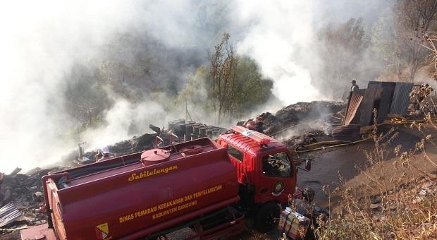 TPS di Blok Barukai Cimenyan Terbakar Hebat, 7 Damkar Kewalahan