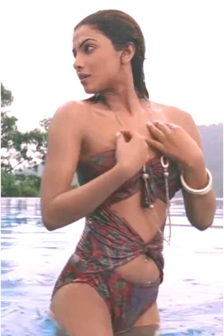 Priyanka Chopra in sexy Swimsuit, Priyanka Chopra in sexy Swimsuit don