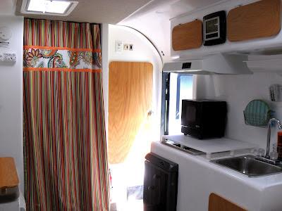 New Interior 2006 Egg Camper  Fiberglass RV