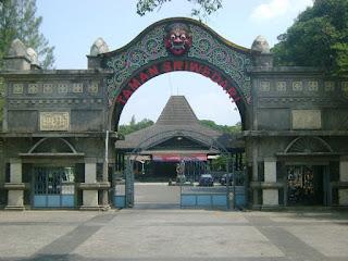 Taman Sriwedari Lawiyan Solo