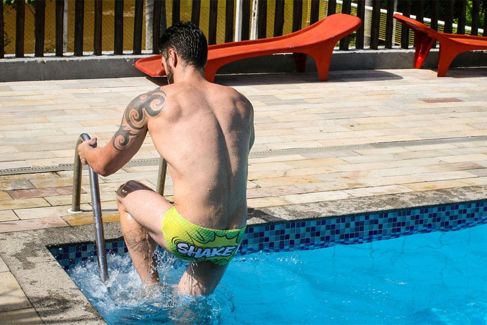 Fisiculturista Tony Neto posa de sunga para campanha da Nettus Swimwear. Foto: Muel Tsunamy