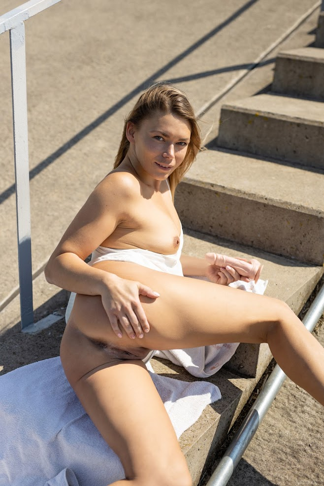[MetartX] Paulina - Toying Around