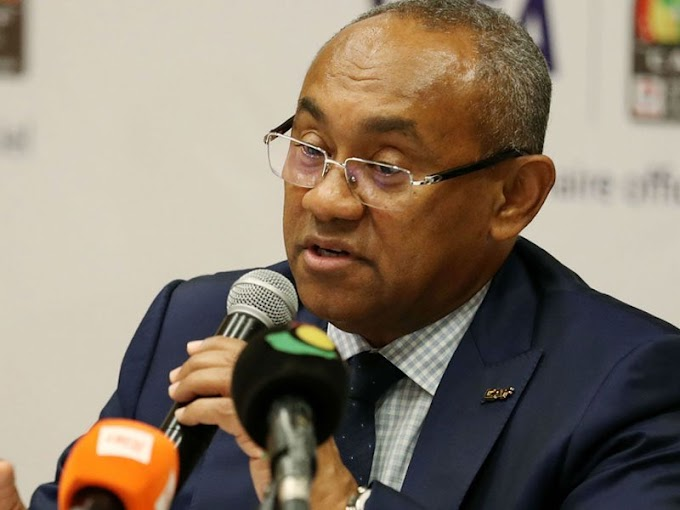 """الإتحاد الدولي لكرة القدم يقرر إيقاف رئيس """"الكاف"""" المقرب من المغرب لخمس سنوات."""