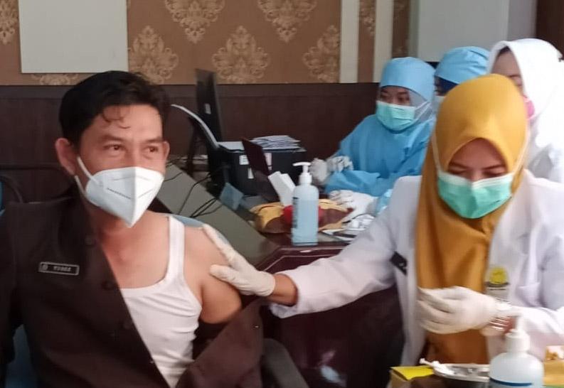 Anggoata DPRD Divaksin Sinovac, Yosee Sogoran : Tetap Wajib Terapkan Prokes