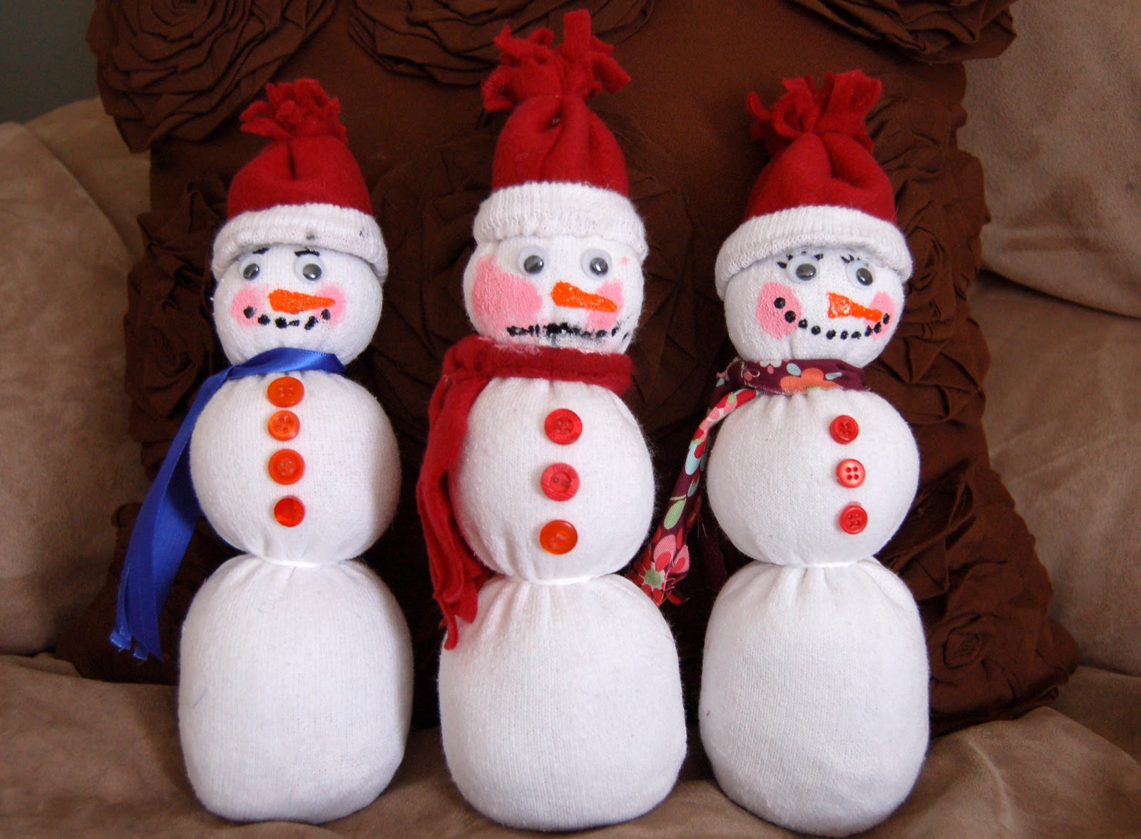 make a snowman out of your child 39 s sock i heart crafty things. Black Bedroom Furniture Sets. Home Design Ideas