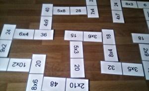 http://maestraencrisis.com/aprender-jugando-las-tablas-de-multiplicar/