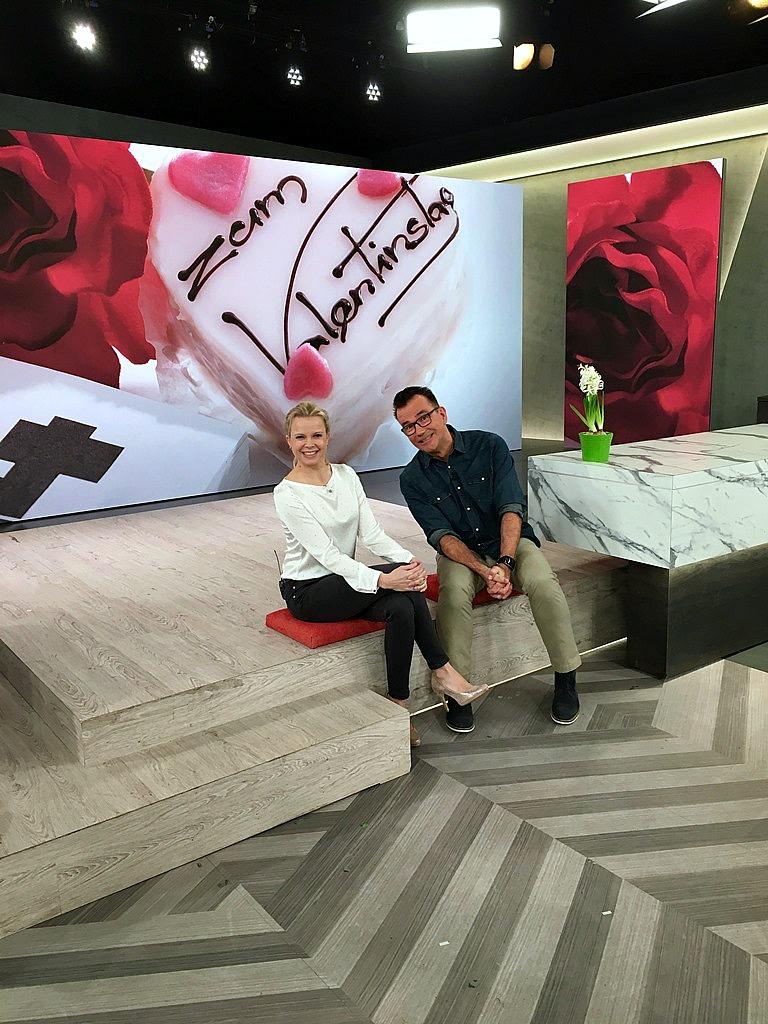 """WDR Sendung """"daheim+unterwegs"""", hinter den Kulissen, im WDR daheim+unterwegs Studio, Moderatoren Duo Sandra Quellmann René Le Riche,Frollein Pfau DIY Bloggerin Köln"""