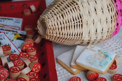biscotti dipinti ispirati alla tombola napoletana