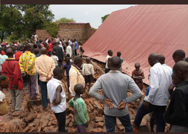 Sad! Two person dies as Church Collapses On Worshipers During Evening Service (photos)